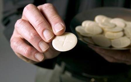 Sanctifying Worship: Words When Serving Communion