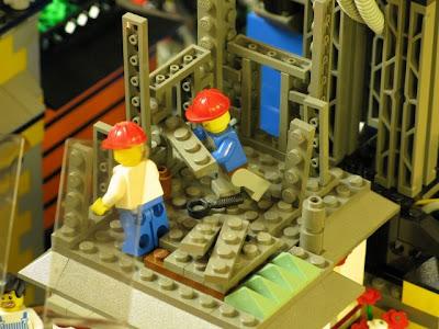 [Image: lego_crawler_town_03.jpg]