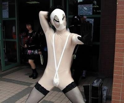 [Image: cosplay_fails_29.jpg]