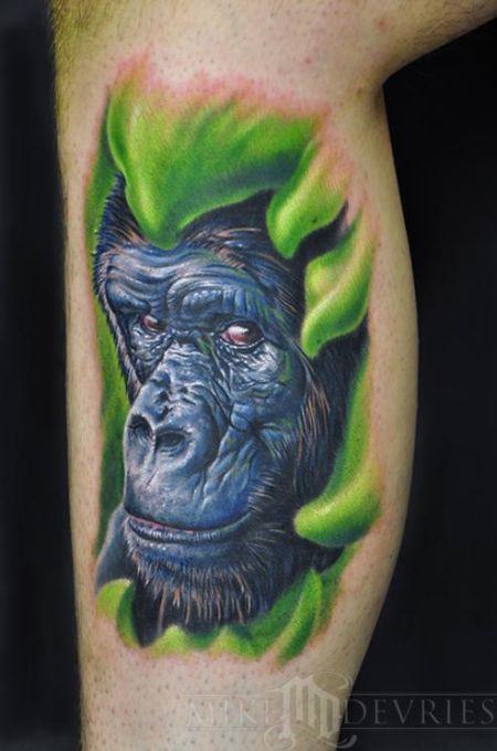 40 Amazing Classic Nail Art Designs: 40 Amazing Tattoos