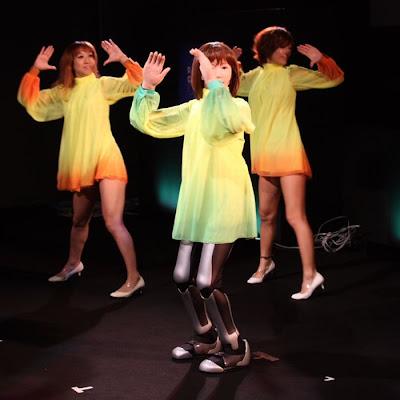 dancing robot girl 09