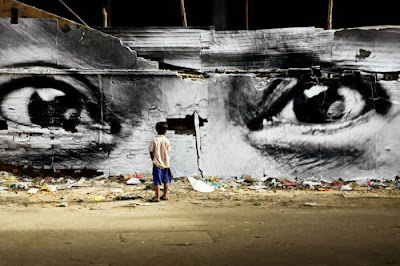 [Image: Street_Art_by_JR_01.jpg]