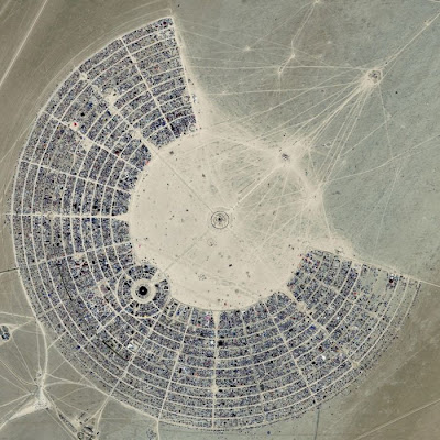 [Image: burning_man_03.jpg]
