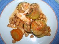 garbanzos con gallina y calabacín