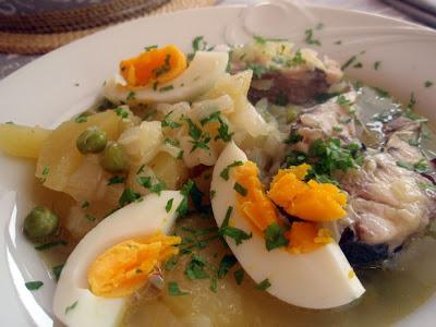 guiso de patatas con chicharro