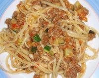 espaguetis con calabacines y otras verduras