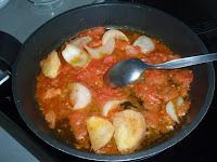 elaboración de la salsa de tomate tradicional
