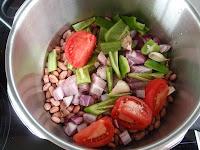 alubias rojas con pimiento verde