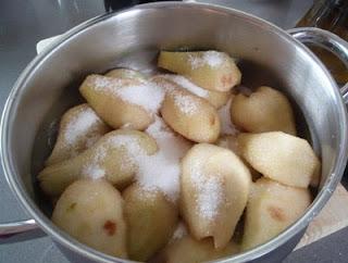 elaboración de peras al vino tinto