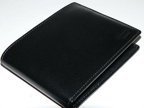 Coach Mens Black Water Buffalo Leather Bi Fold Wallet