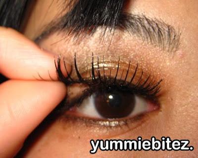 Easiest way to take off false eyelashes