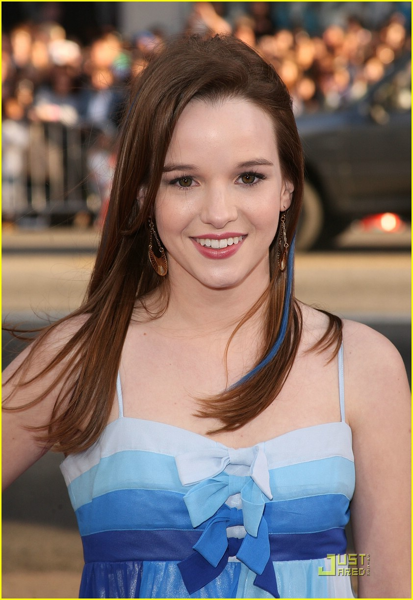 Hollywood Hot Sexy Teen Actress Kay Panabaker Very Smart -6472