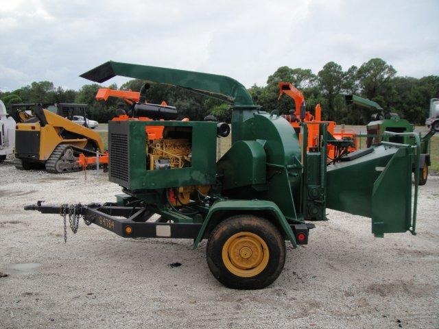 Pre-Owned Commercial Chippers: Woodchuck