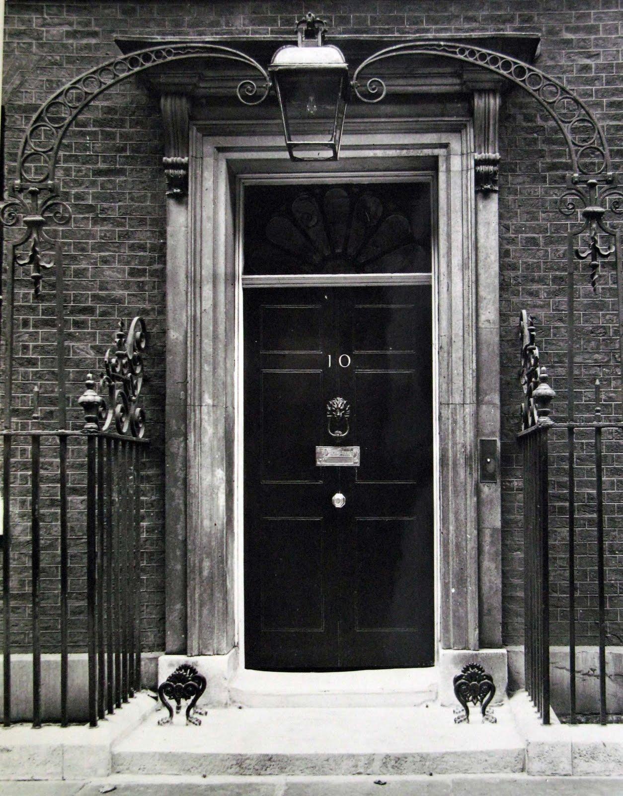 Typefoundry number ten for 10 door