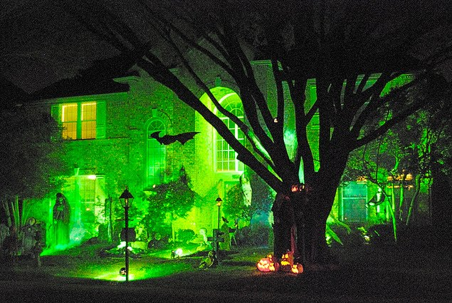 Hot Fresh Pics Cool Halloween Houses
