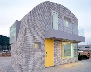 Casa residencial coreana compacta de lineas y acabado exterior con aspecto vanguardista