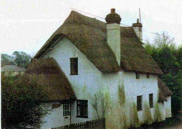 Vieja casa de adobe inglesa