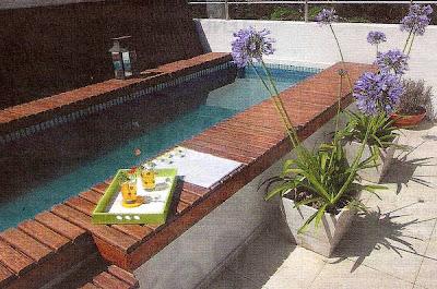 piscina angosta sobre terraza