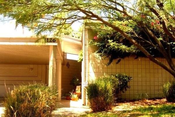 Arquitectura de casas casa moderna residencial americana for Casa moderna americana