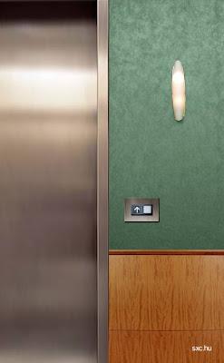 Puerta de un elevador para personas