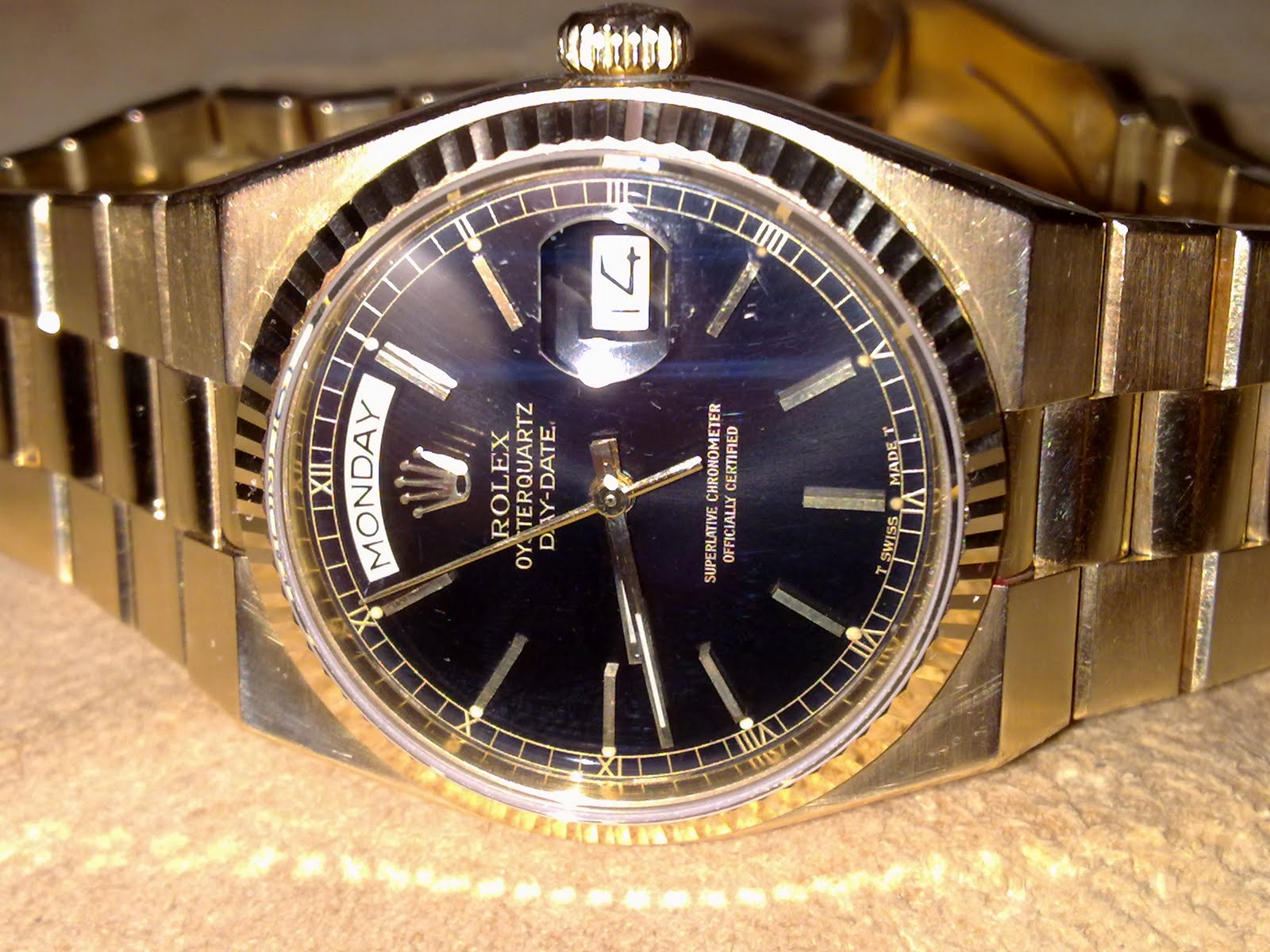 d9cf9379245 Hong Kong Watch Fever 香港勞友  Rolex Day Date Oyster QuartzYellow Gold