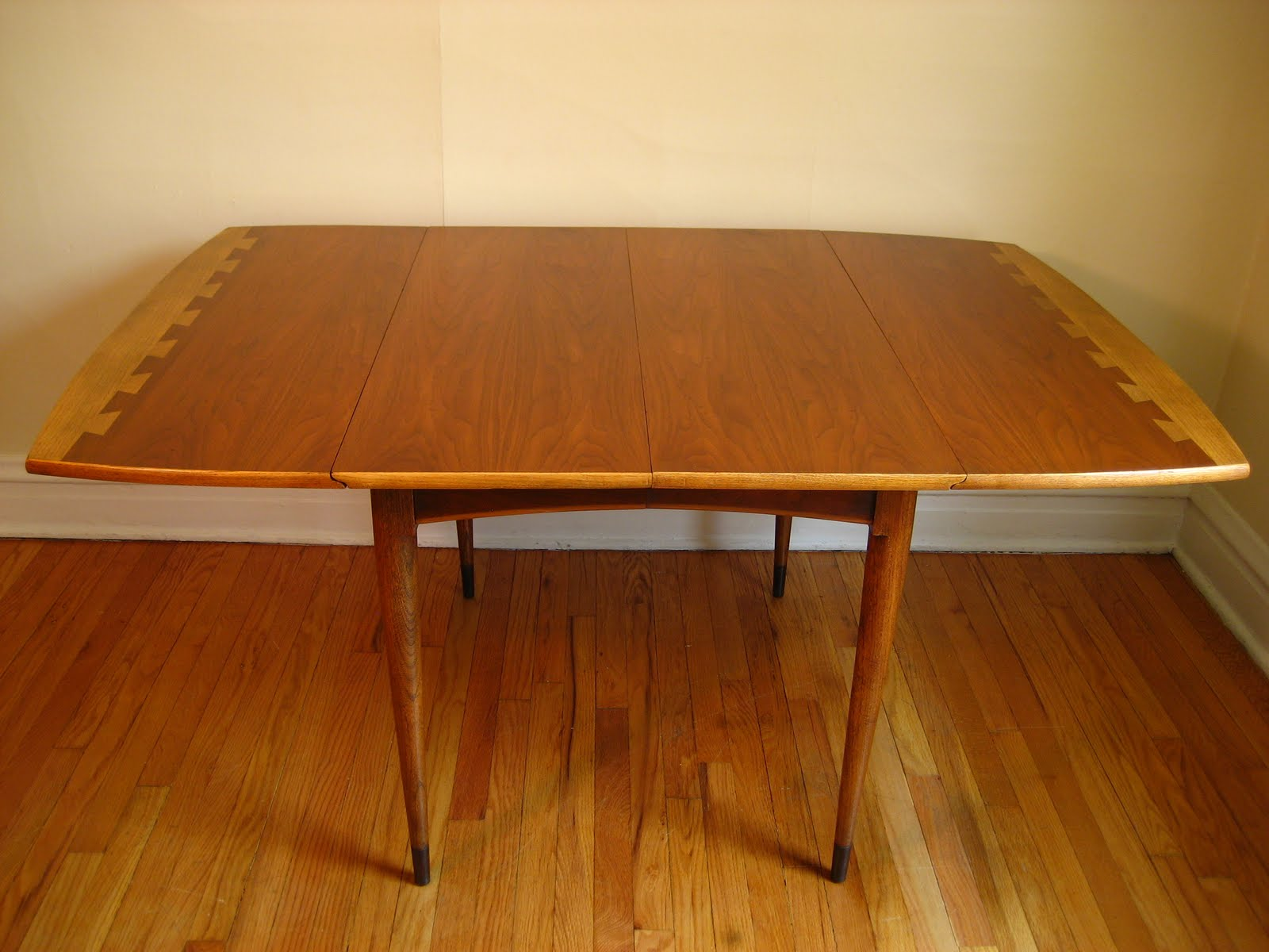 Flatout Design Lane Acclaim Dining Table