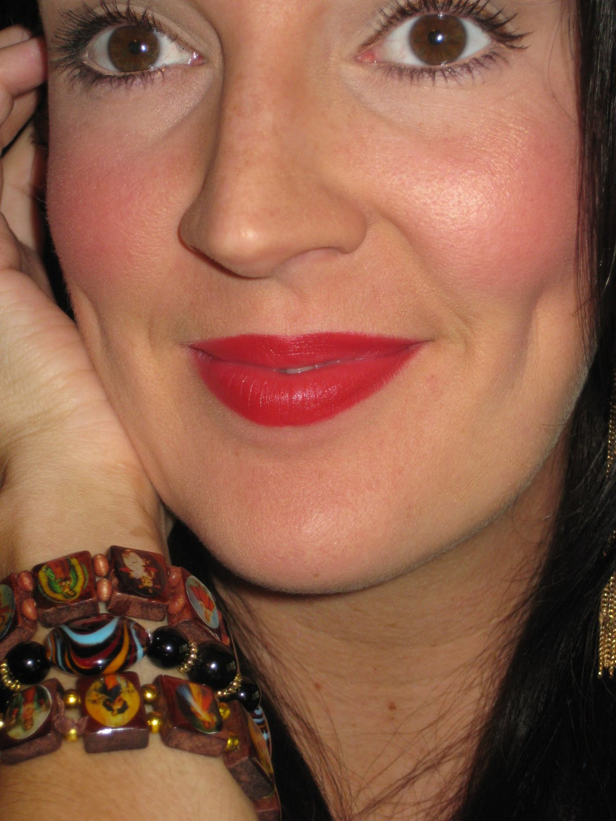 Mac 182 Buffer Brush Reviews Photos Ingredients: Red Hot Cult Favorite :: MAC Russian Red Lipstick