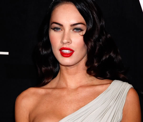 lipstick Megan fox red