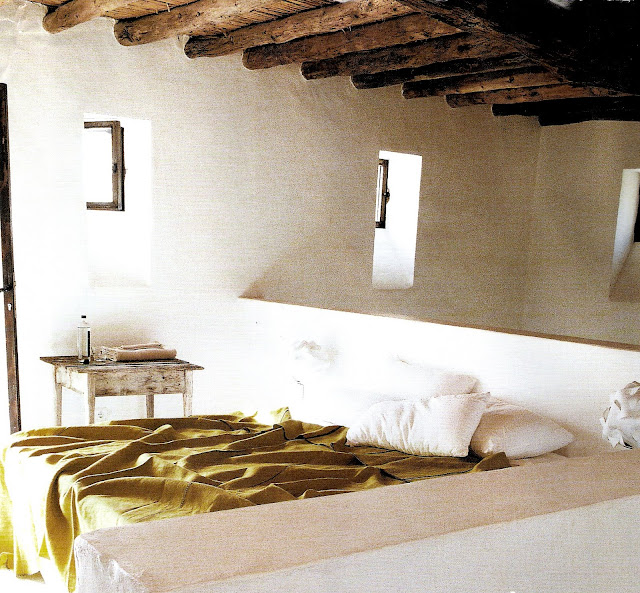 sleeping loft, image via Côté Sud Juin-Juillet 2007 as seen on linenandlavender.net