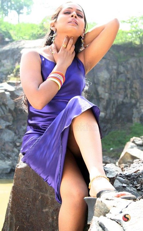 Tattoo Slang Hot Indian Celebrity With Open Legs Photos-4814