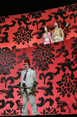 Heidi Stober (Tigrane) with, above, Deborah Domanski (Zenobia) and David Daniels (Radamisto) in Radamisto, Santa Fe Opera, 2008 (Photo © Ken Howard)