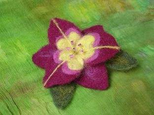 Needle-felt Flower Pin