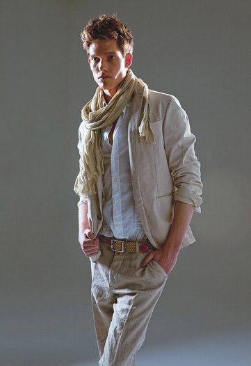 f69be4f61e2 My MANy Bags Trendspotting  36. Labels  Men s Fashion