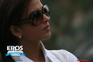 Aishwarya Rai In A Sun Glasses