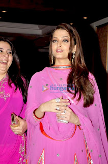 Aishwarya Rai In Pink Salwar Kameez