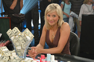 Online Poker: WPT Girls