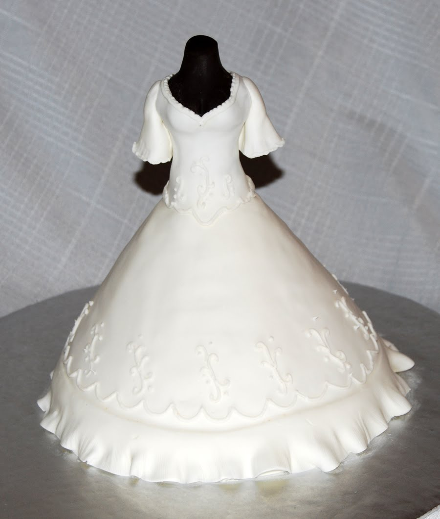 Wedding Gown Cakes: Leelees Cake-abilities: Wedding Dress Cake For A Bridal Shower