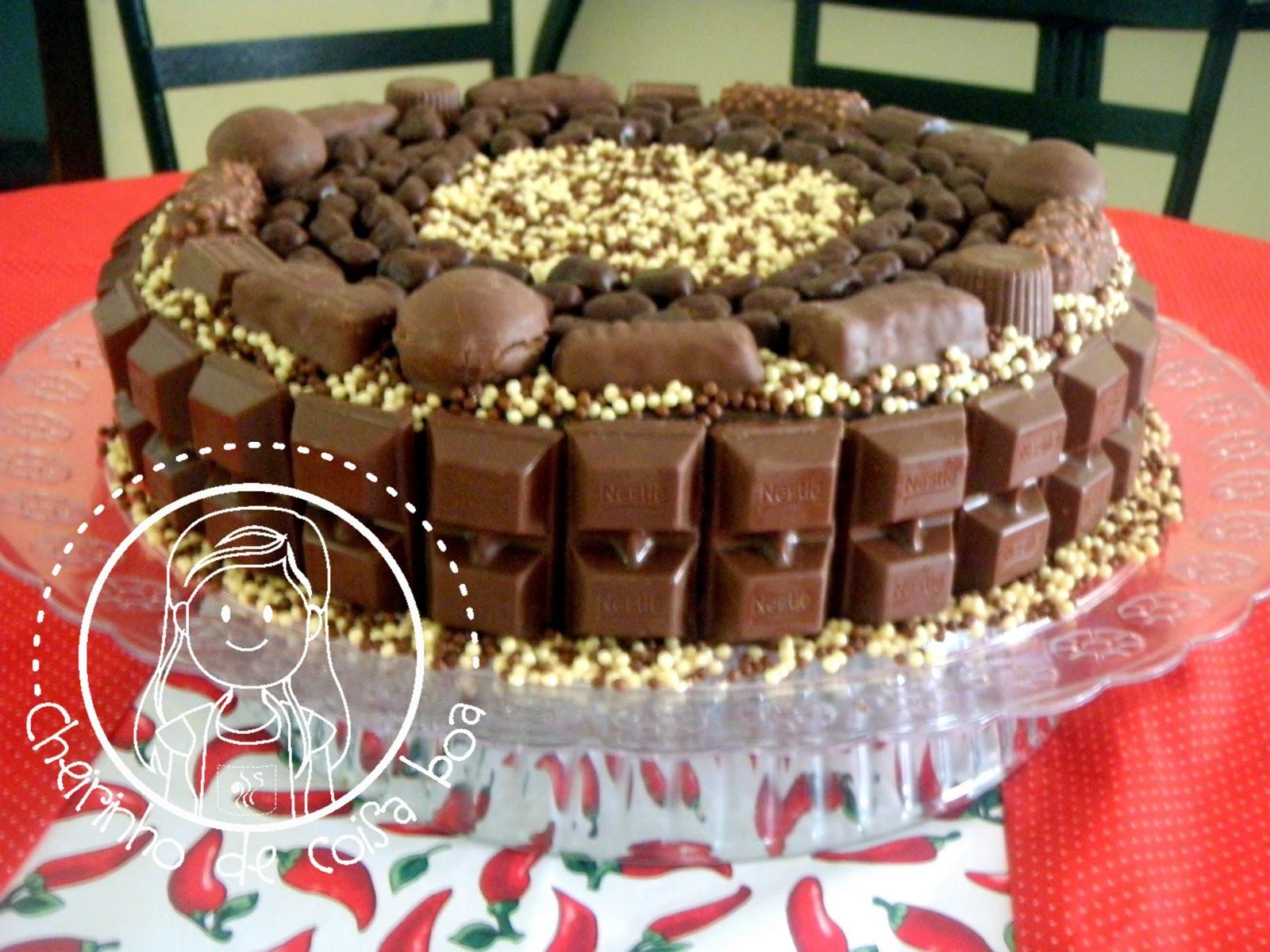Muitas vezes Bolos Decorados Com Barra De Chocolate NZ04