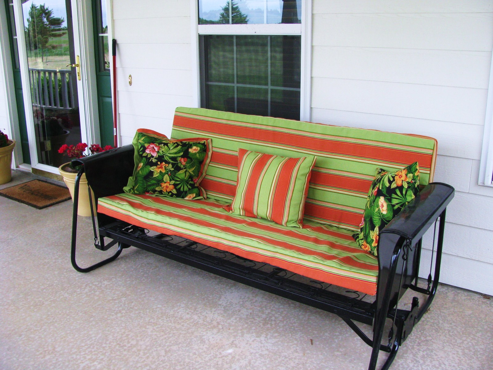 Desperately Creative: Antique Porch Glider