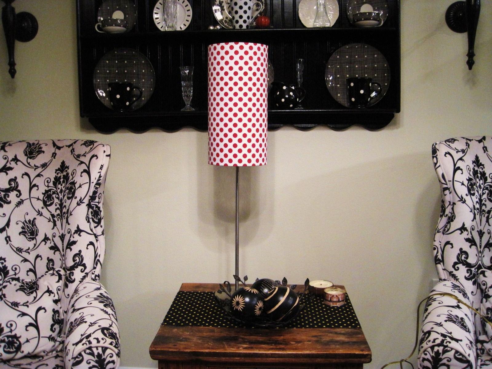 Pom Poms and Polka Dots: Polkadot Lamp