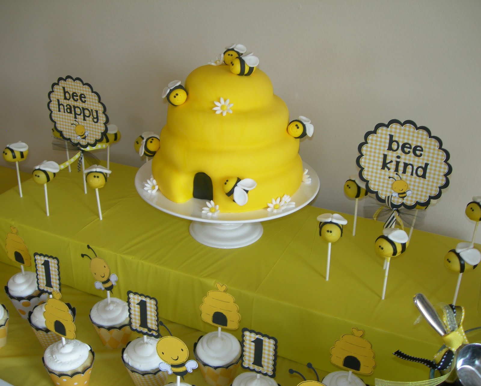 Sweeten Your Day Events 1st Bee Day Party