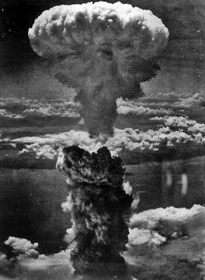 Bom atom yg dijatuhkan Allied Force di Nagasaki untuk mengakhiri WWII.