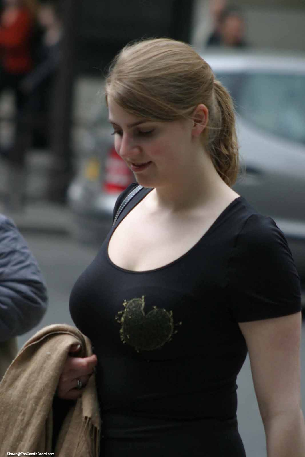 Big Breast Girls Candid Juggs Are The Best-3548