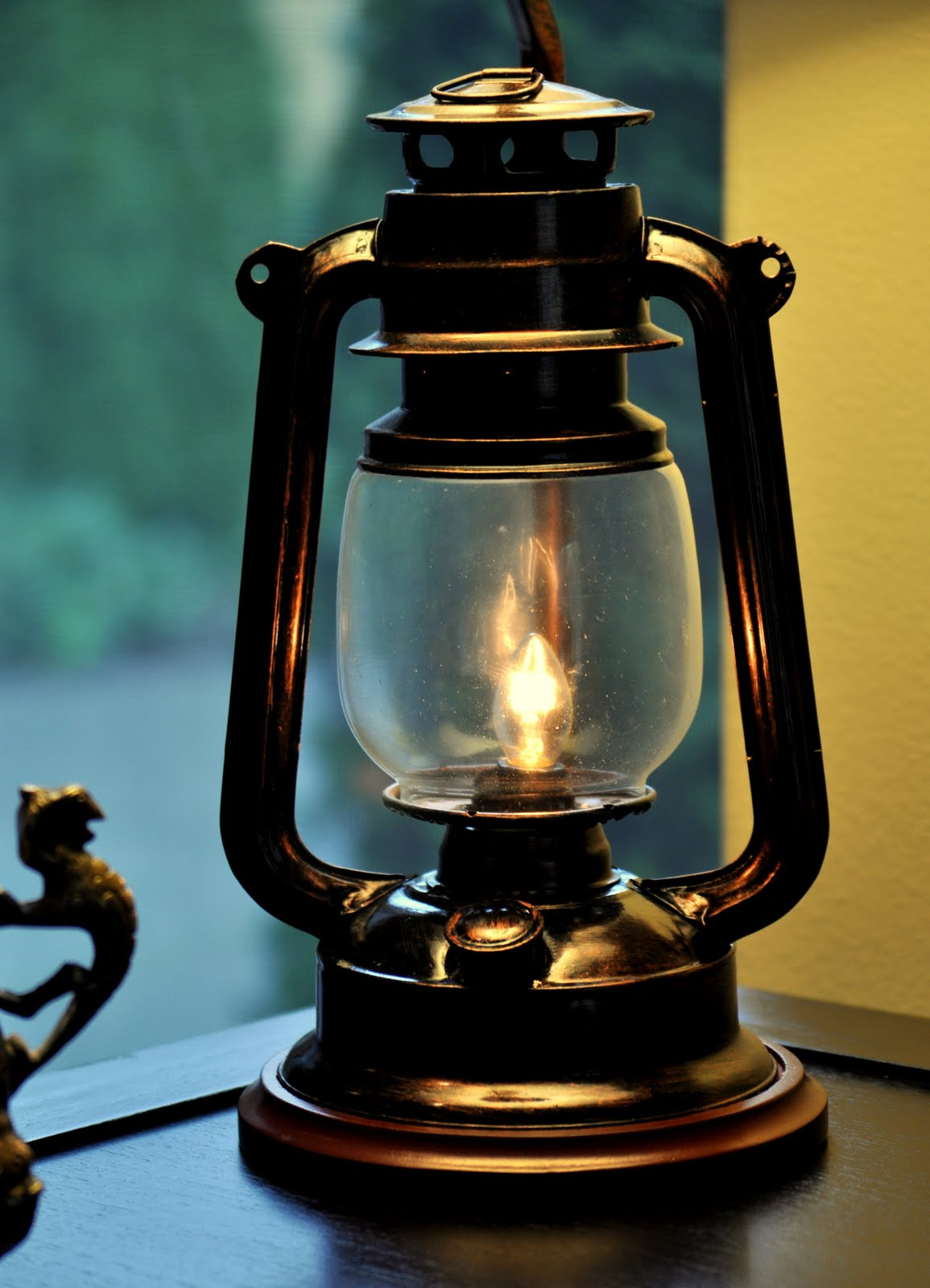 My Dream Canvas: Monday and a Lantern lamp