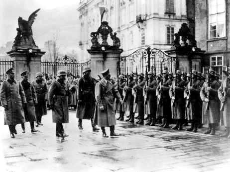 1938 in nazi germany essay Nazi weapons law of november 11, 1938 stephen halbrook that explains the sequence of civilian disarmament policies in nazi germany that led to the.
