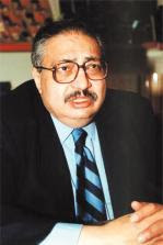 مدونة أحمد طوسون: بعد يوم واحد من فوز عزازيل، استقالة رياض الريس من مجلس  أمناء الجائزة