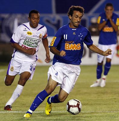 A vitória do Cruzeiro sobre o Real Potosí f9346f86686e1