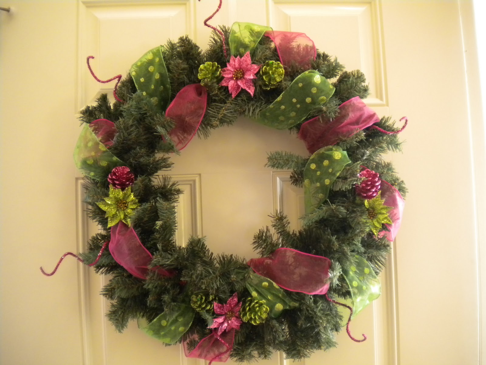 ritzy wreaths christmas wreaths for sale. Black Bedroom Furniture Sets. Home Design Ideas