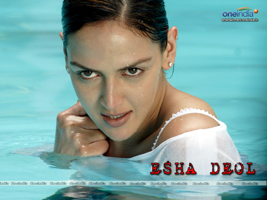 pic new posts: Wallpaper Esha Deol
