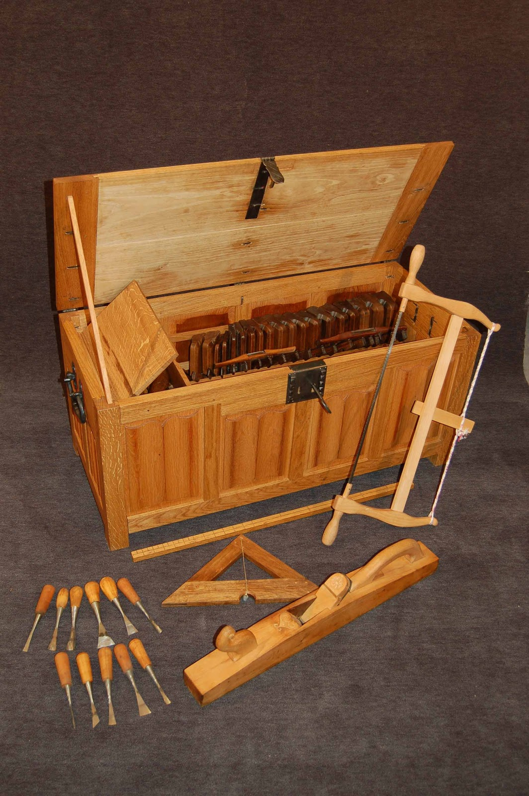 The medieval woodworkers toolbox